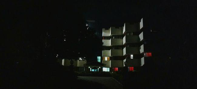 Urban nights, wide awake, Relaxing