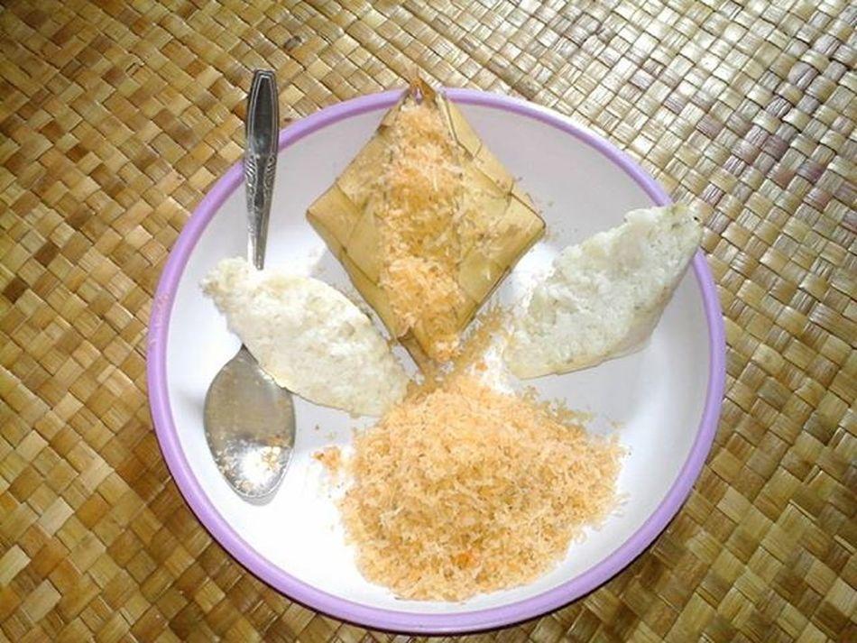Menu buat malam ini Ketupat_saronde . Indonesian Food Pelosoknusantara Alam_indonesia Amazingnusantara Pesonaindonesia Indotravellers Lingkarindonesia Wonderfulindonesia Indonesiaku1 Vscocam