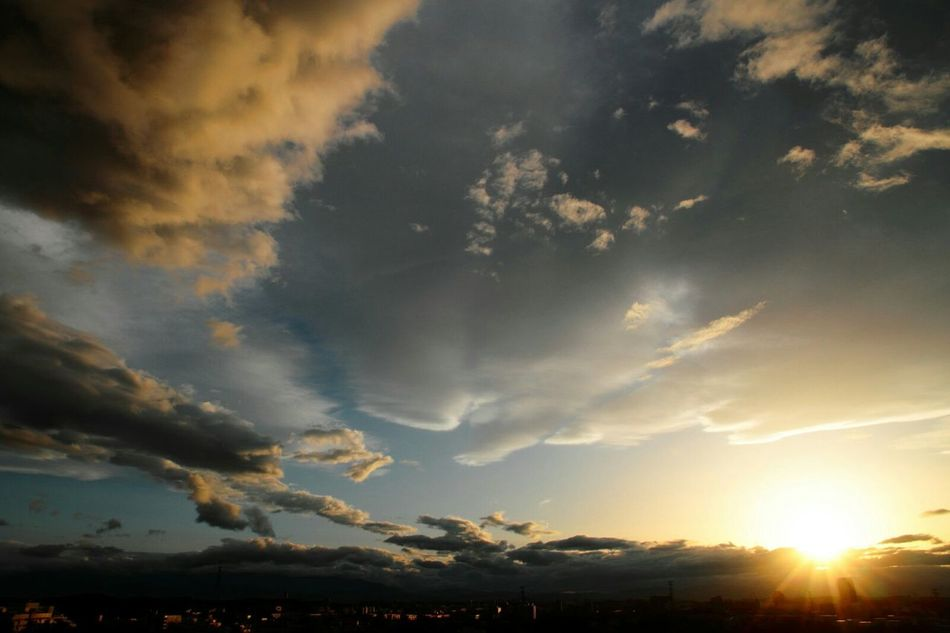 I like looking at the sky😊 Sunset Sunset_collection Clouds And Sky Cloud Love Sky Lovely Weather