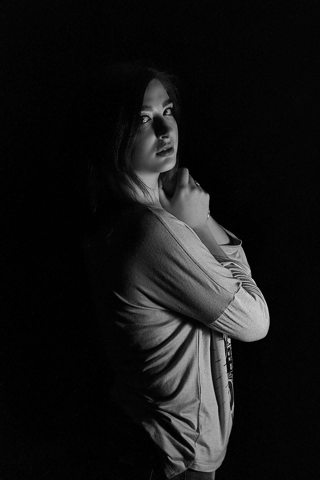 Russia Studio Shot Young Women Lifestyles One Person Black Background Black & White Blackandwhite Bw_ Collection Blackandwhite Photography EyeEm Best Shots - Black + White Black And White EyeEm Bnw Women