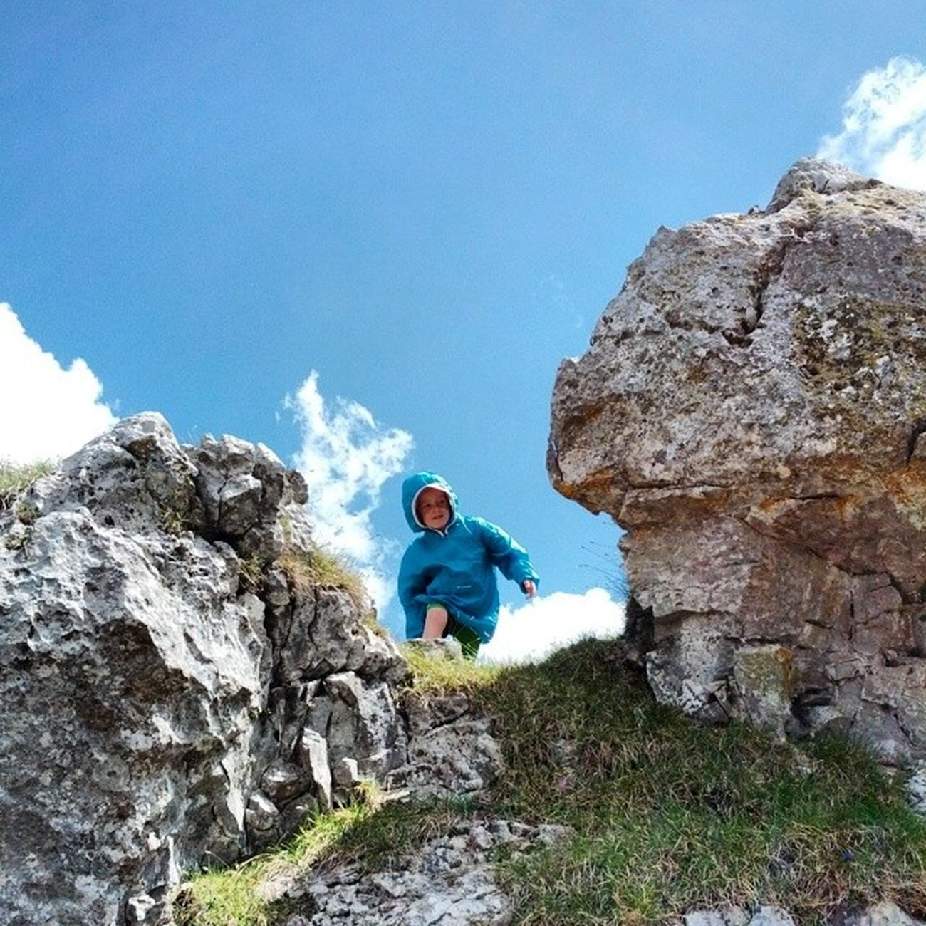 Tiziano betwen two rocks