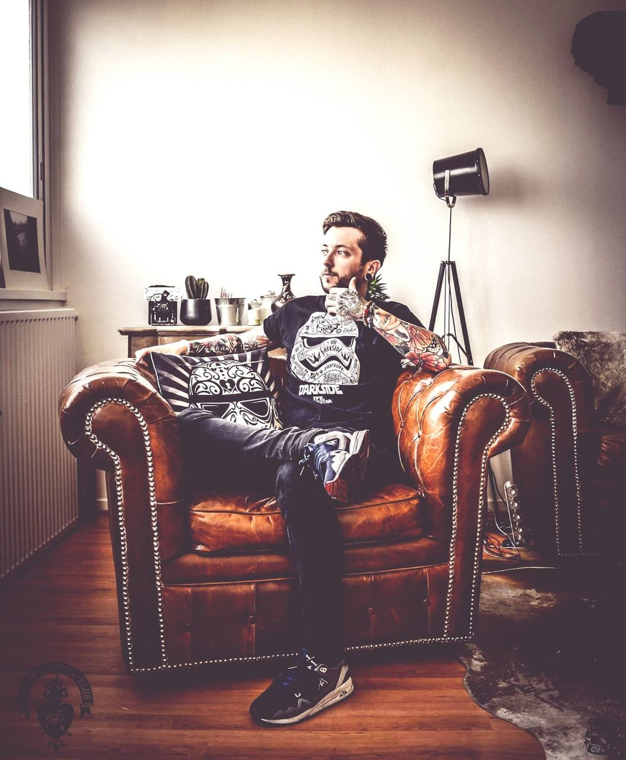 Portrait Chair Men Tattooed Inked Photooftheday Tattoos Tattoo Life Fashion Photography Troopers Guntphotoart Tattoo Factory Klub Frenchboy YouTube