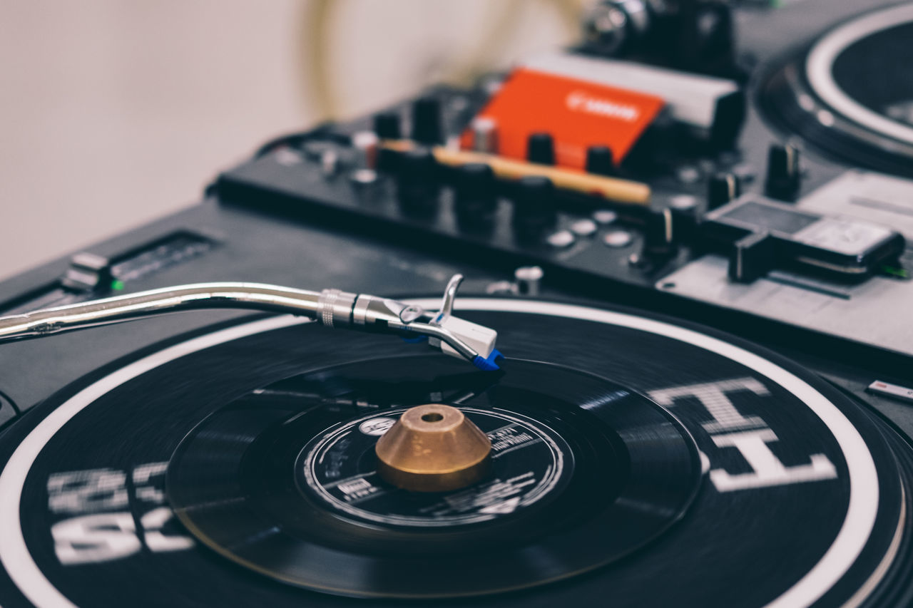 vinyl Close-up Day Dj DJing Indoors  Music Music No People Record Player Needle Turntable Turntable Vinyl