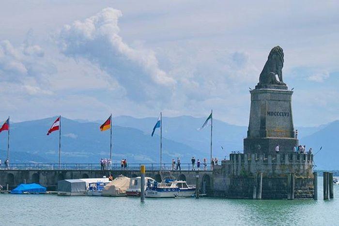 Beautiful View of the Lake and the BayerischerLöwe Landmark . Yachts Docked at the Hafen Port . Lindau Bodensee Deutschland Germany . Taken by my Sonyalpha DSLR Dslt A57 . مرفأ يخوت بحيرة جزيرة لينداو المانيا