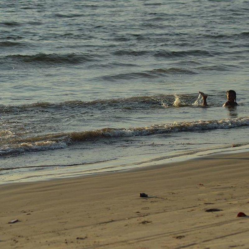 Fun with wave in the end year 31122015. - si bosur beach Sibolga ... Trip Travel Tourism Tour Pariwisata Wisata Beach Pantai Sumaterautara