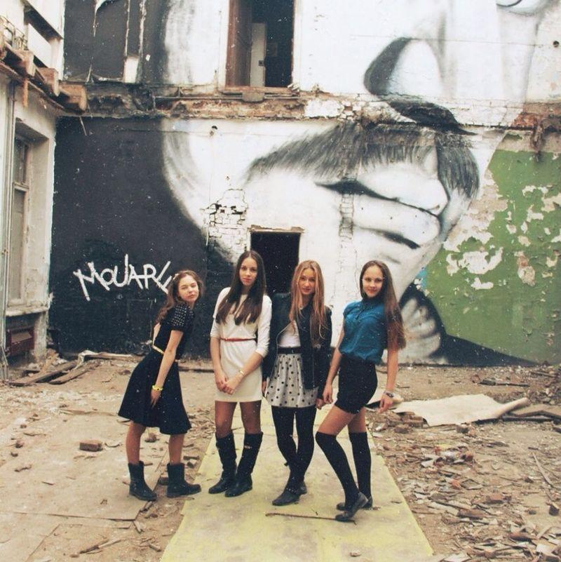 ❤️ Friends Meeting Friends