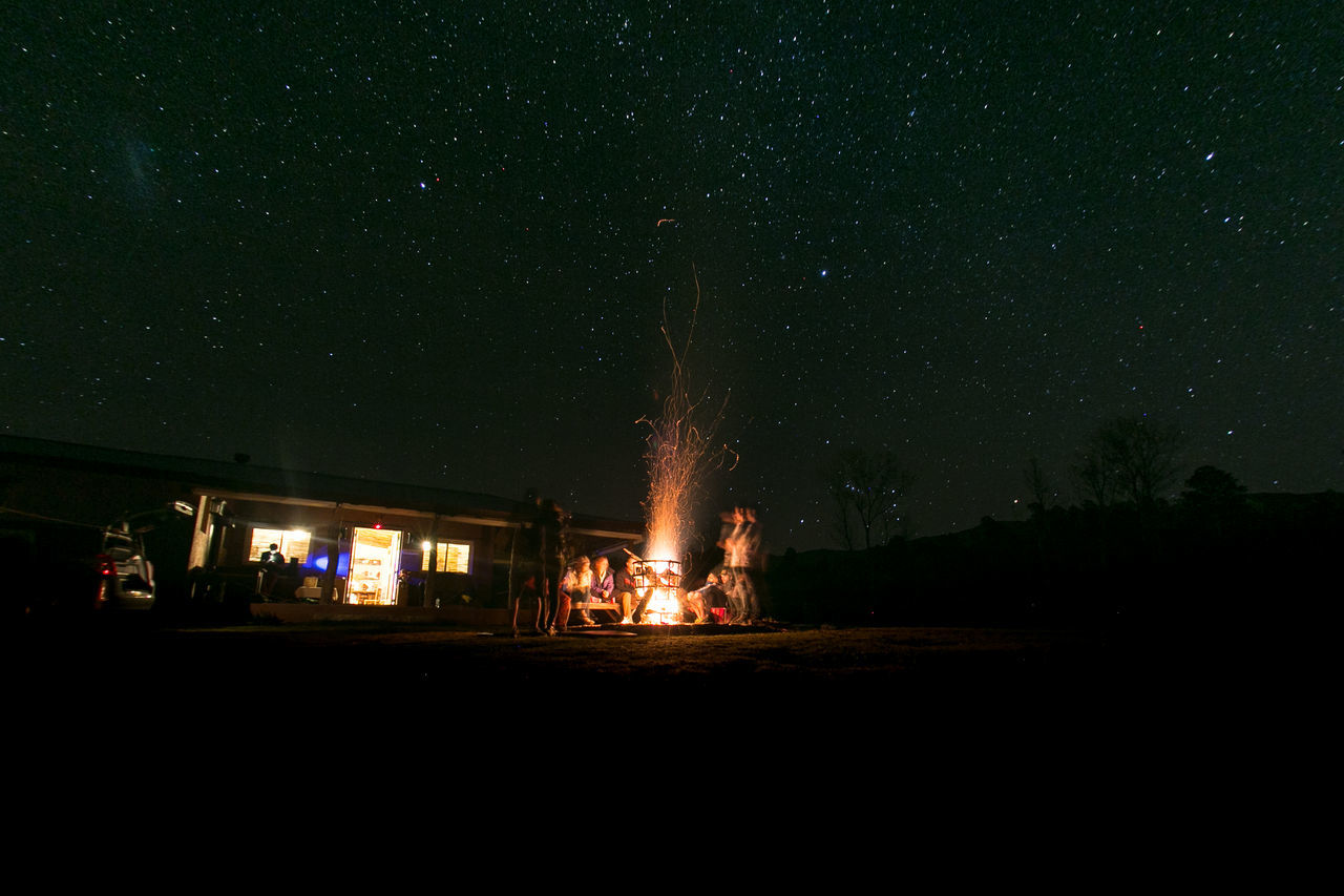 Amigos Asado Asado Argentino Campfire Camping Campinglife Dark Día De Campo Estrellas Fogon Friends Fuego Juegos Luz Luz De Noche Night Noche Outdoors Travel Vacaciones Vacations