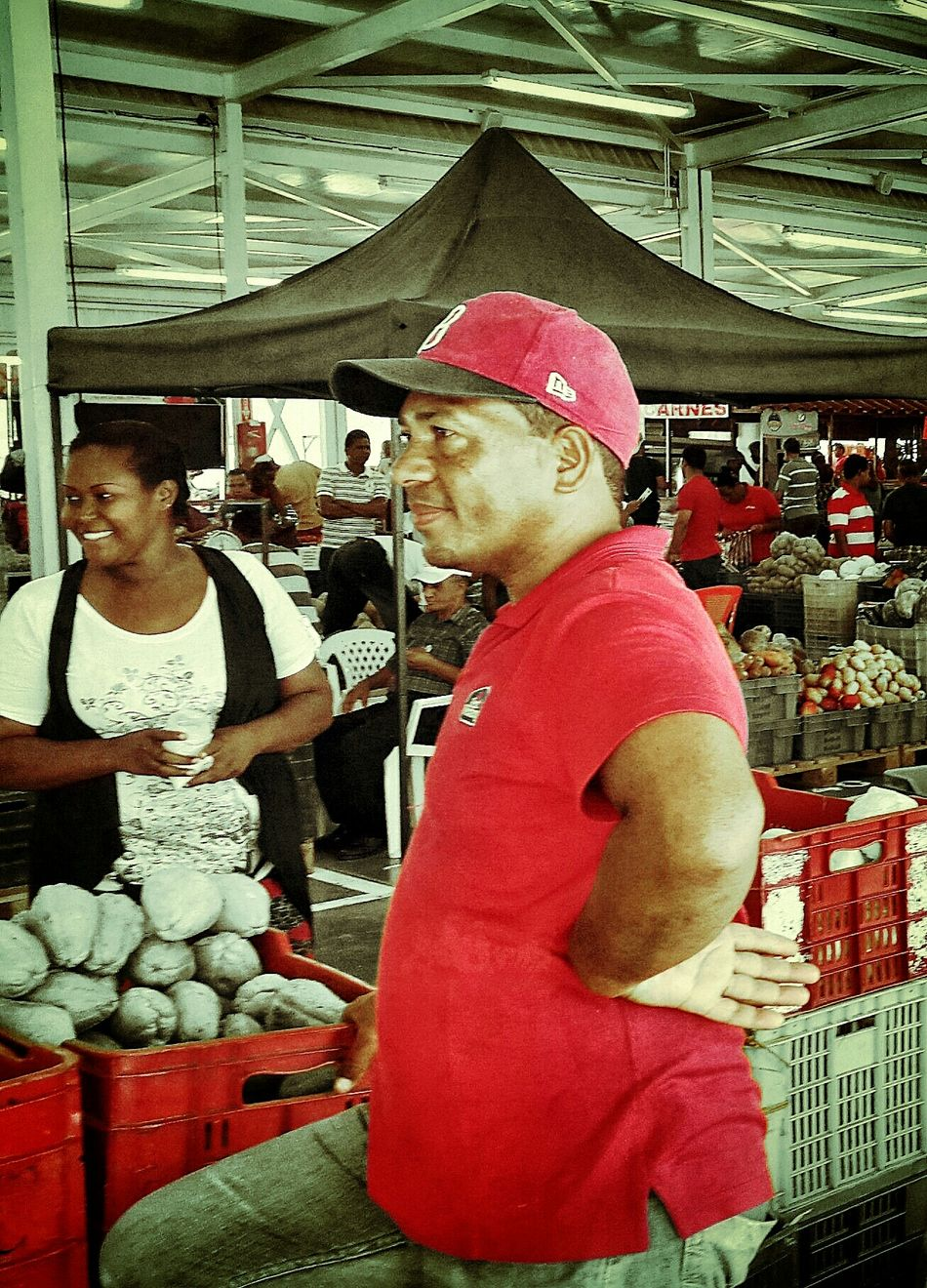Hanging Out Going To Market Dominican Republic People Photography Urban Photography Vendors Organic Food Samsung Galaxy S5