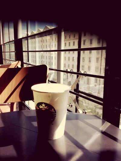 Goodmorning Starbucks Marseille Terraseduport Pétrole!! 👌🏾☕️