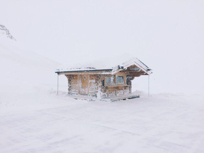 Cabin Snow Ski Log Cabin Isolated Alone Single Cold White Wood Cabin Blizzard