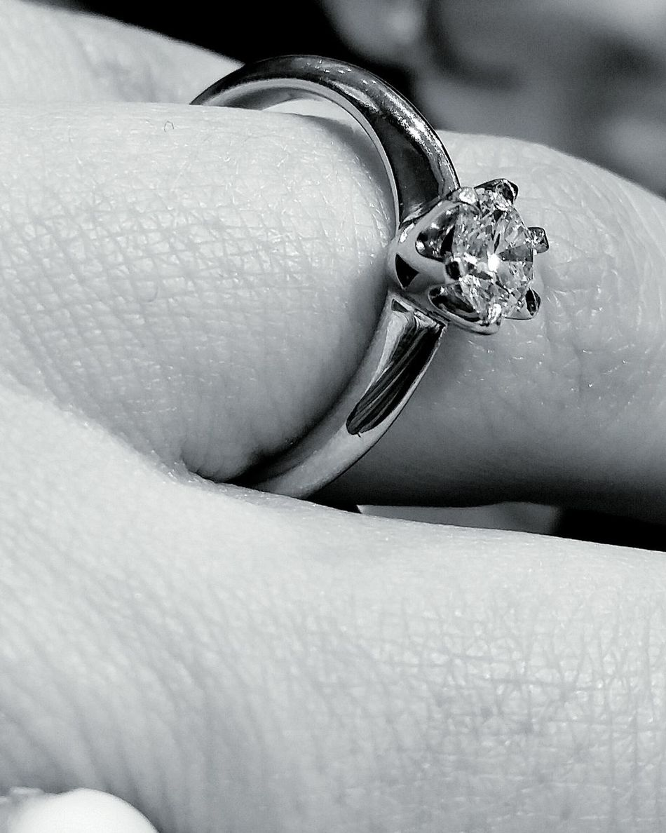 Human Hand Human Finger Diamond Ring Adults Only Only Women One Woman Only Close-up Human Body Part Women Wedding Ring Jewelry People Real People Lifestyles Platinum Diamond Rings Diamond Tranquility Blackandwhite Black And White Black And White Photography One Person Ring Blackandwhitephotography