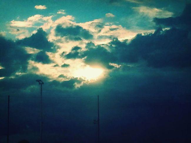 Clouds And Sky Sun And Sky Popular Photos Le Calme Avant La Tempete