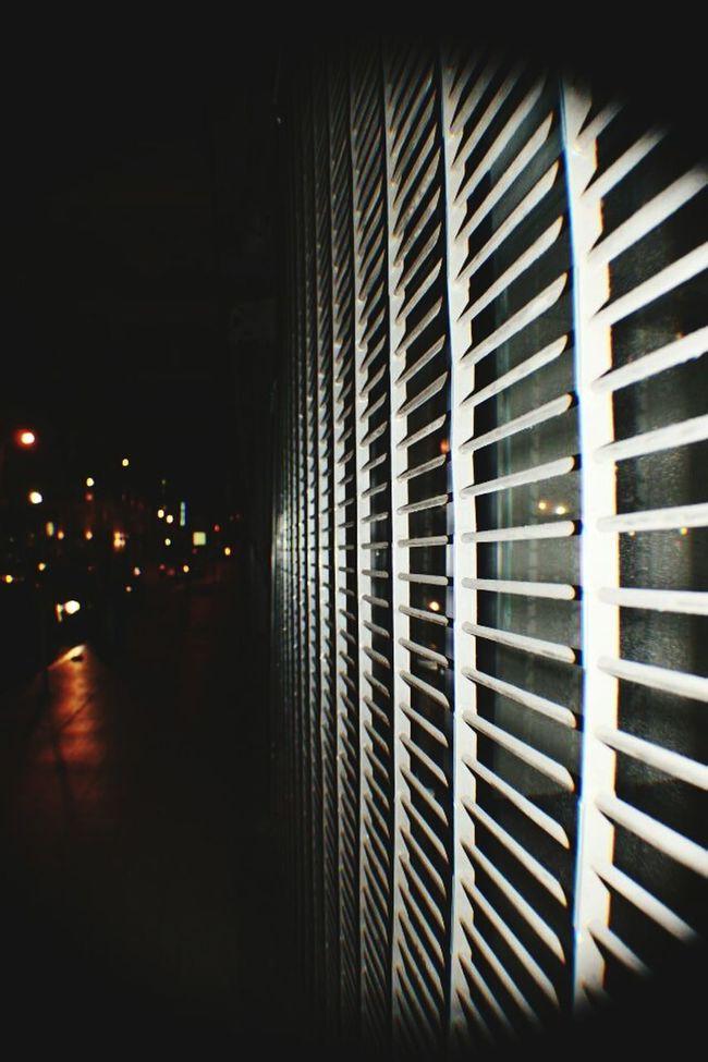 Dtla Art District City Lights Street Walk Gate Closed Distance Vanishing Point