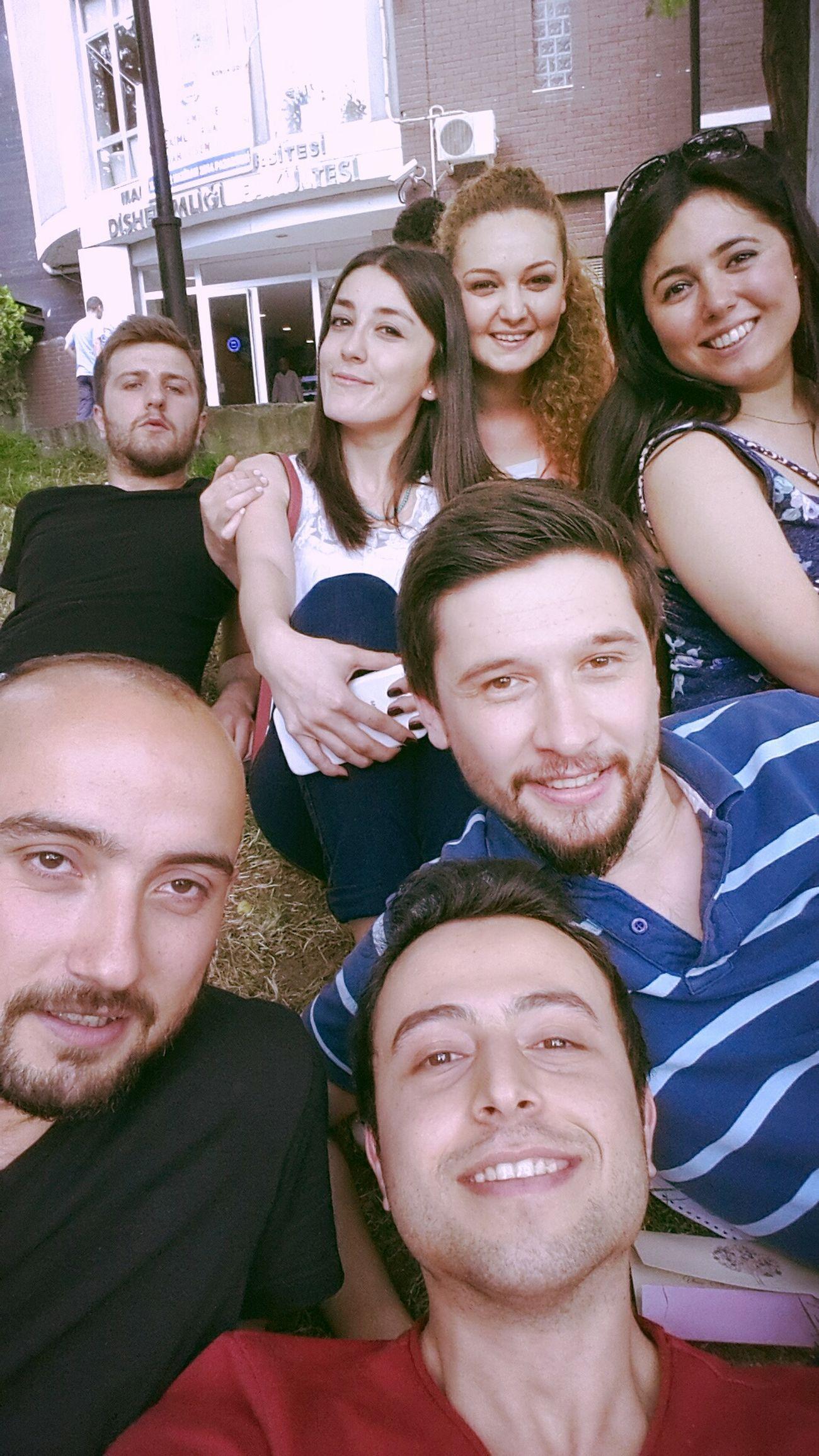 Friends Selfie Enjoying Life Hello World bu üniversitede burada biter =))