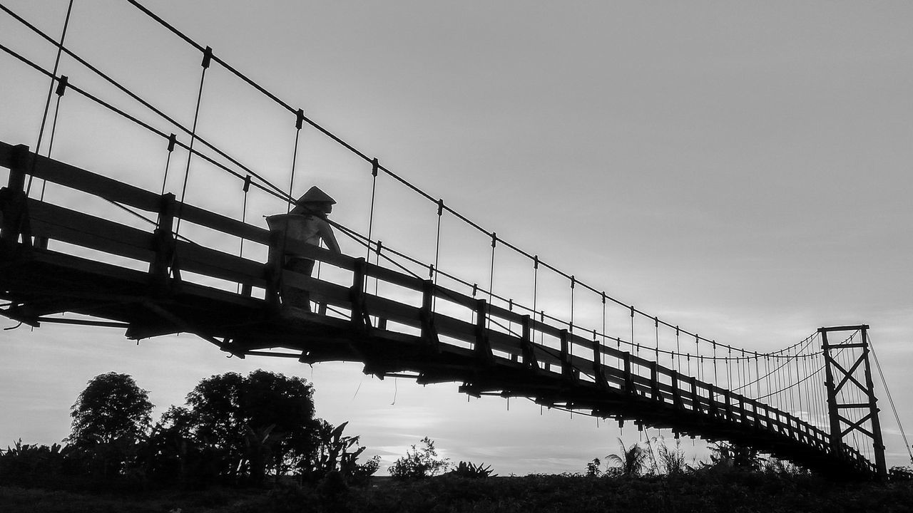 Going Home Silhouette Outdoors Black & White Blackandwhite Photography Landscape Xiaomiindonesia Phonetography Taken On Mobile Device RedmiNote3Pro Xiaomiphotograph Bw Bw_collection