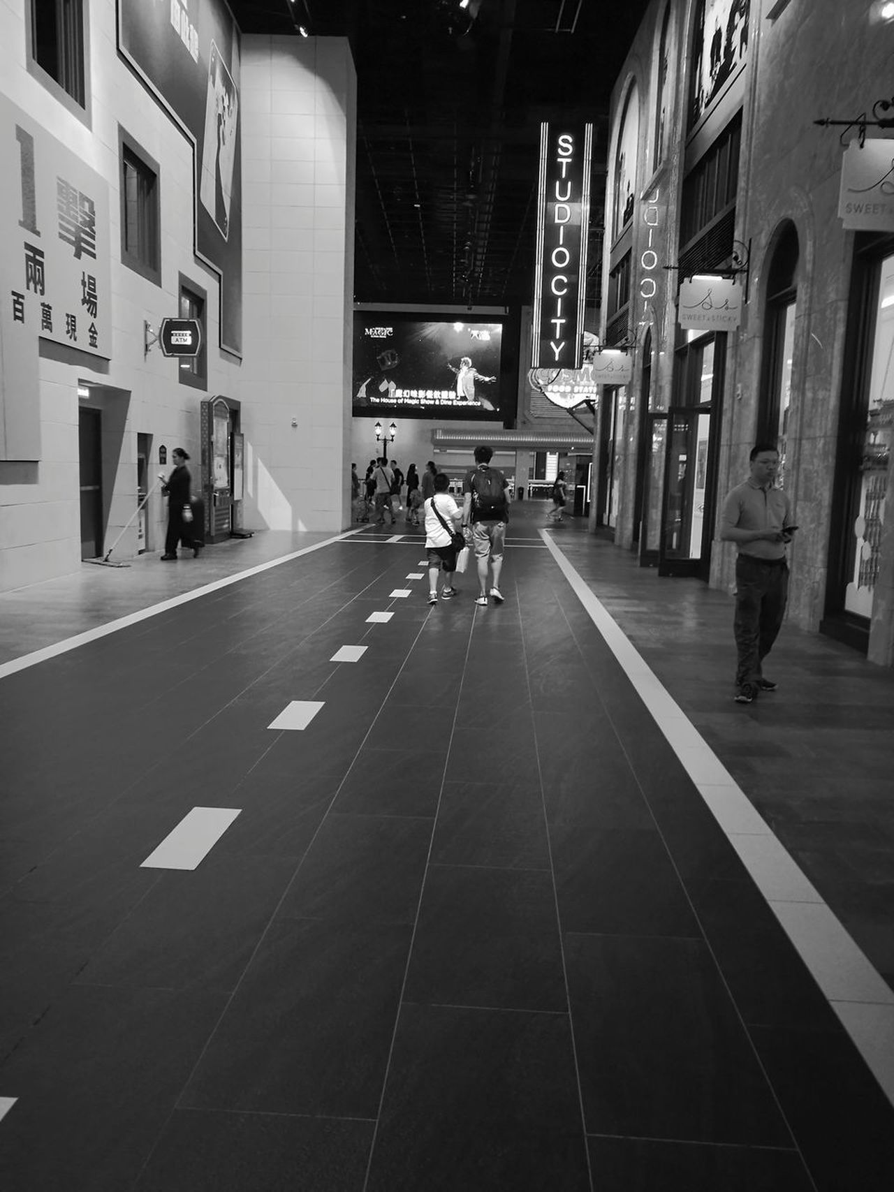 Neighborhood Map People Real People Architecture Indoors  Hotels And Resorts Macau, China Casino Shopping ♡ Vacation Destination Leisure Black & White The Architect - 2017 EyeEm Awards