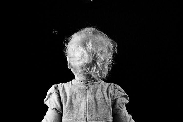 Kind Child Girl Sweet Girlygirl Seifenblasen Shooting Have Fun Babygirl