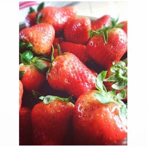 一翻到屋企就见到一大兜士多啤梨????妈咪iluvu Strawberry Indahouse Inmood Oneofmafavfruit