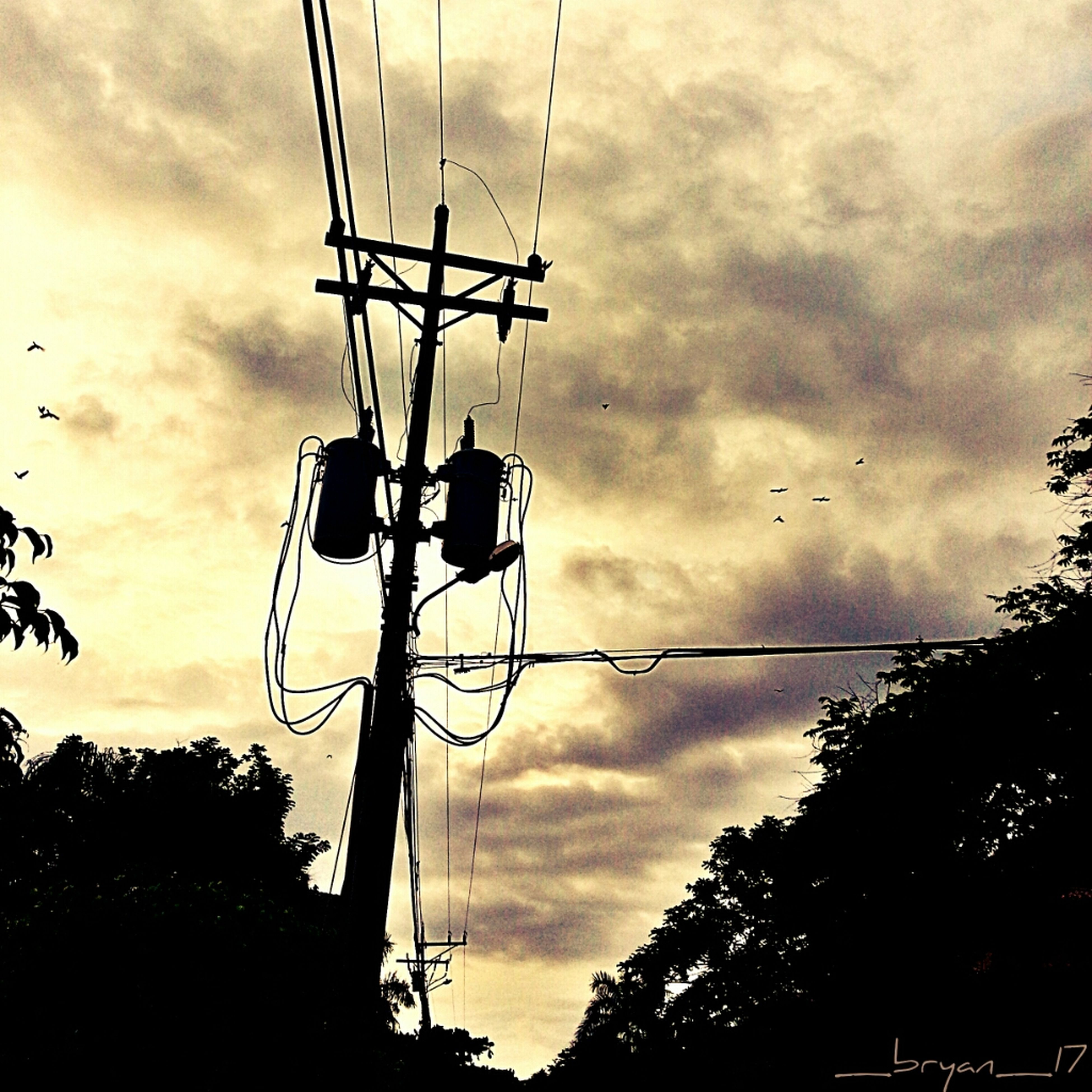 Mobile Photography Taking Photos Sky And Clouds Cabling