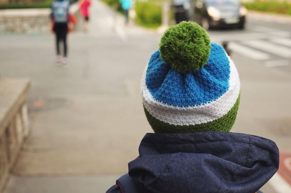 Walking around Focus On Foreground Real People Close-up One Person Day Outdoors Wool Woolen Cap Walking Walking Around City Green