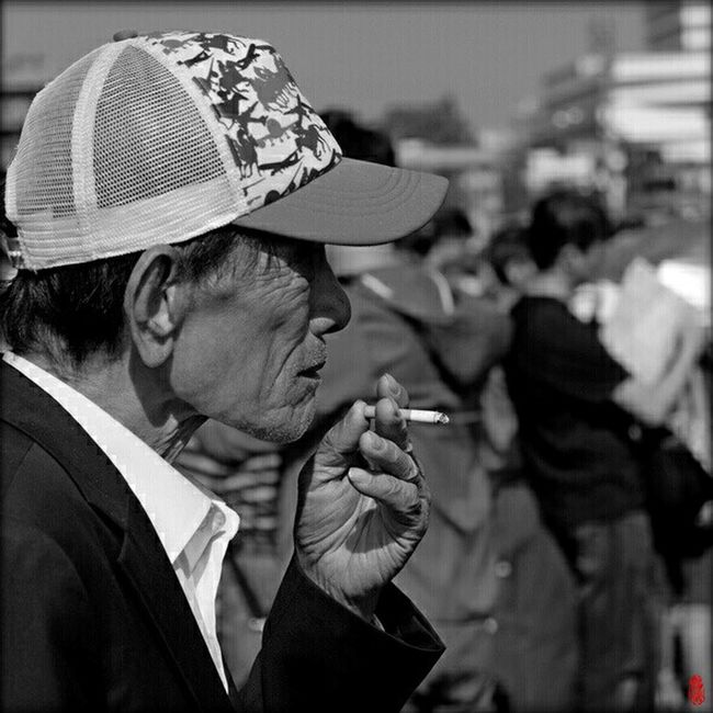 Up Close Street Photography Streetphotography HongKong Hong Kong Street Horseraces Spectator Shatin Black And White Black & White Monochrome Black And White Photography The Portraitist - 2016 EyeEm Awards