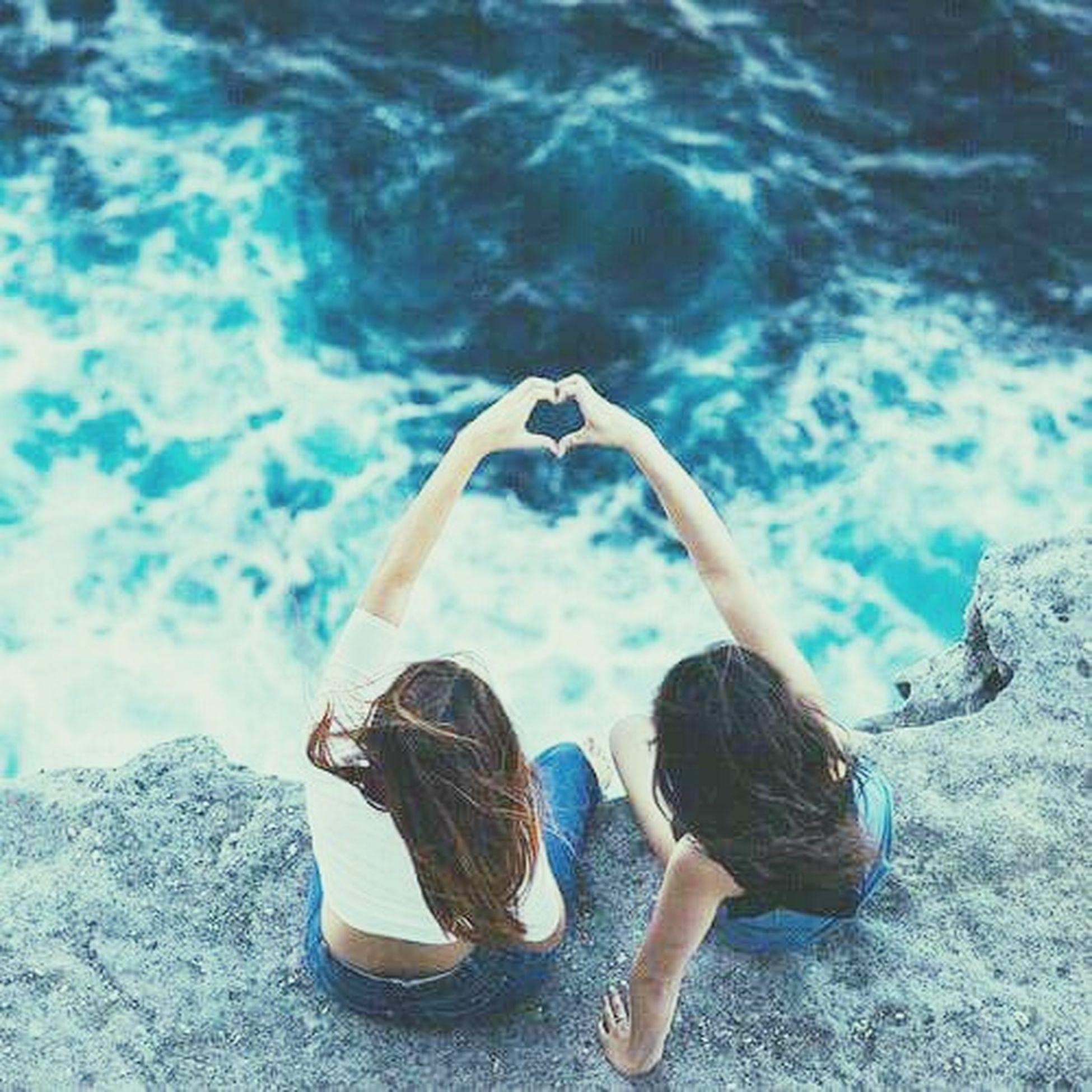 Gerçek dostlar tanrının bize vermeyi unuttuğu kardeşlerimizdir ♥♥♥♥ First Eyeem Photo