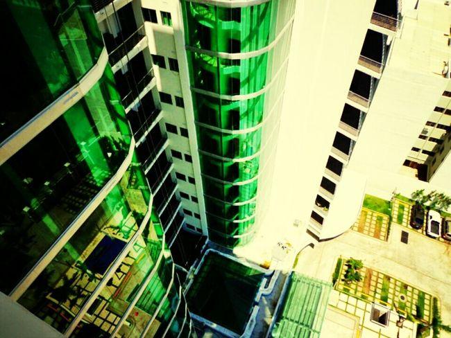 Hermosa torre de apartamentos San Salvador Architecture