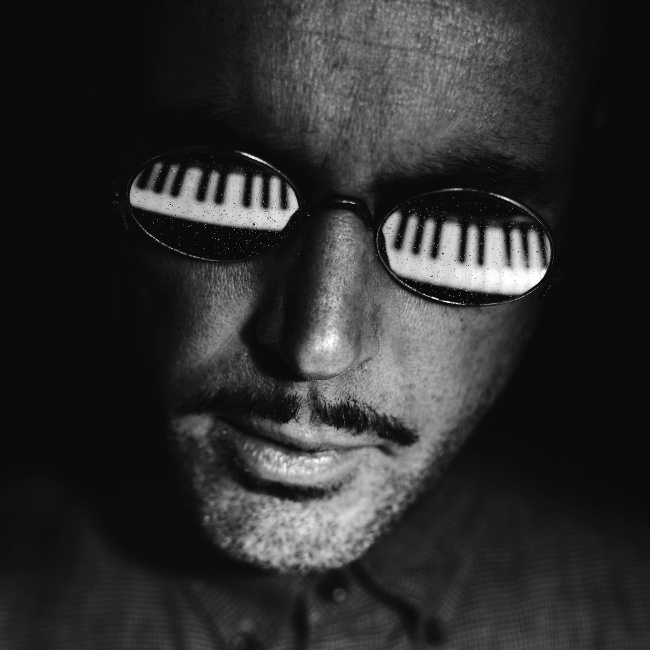 Piano Moments One Man Only Reflection Eyeglasses  Blackandwhite Photography Sunglasses Black & White Blackandwhite Reflection_collection Black And White Pianist Reflections Keyboard Piano Keys EyeEm Best Shots Piano Portrait One Person Close-up