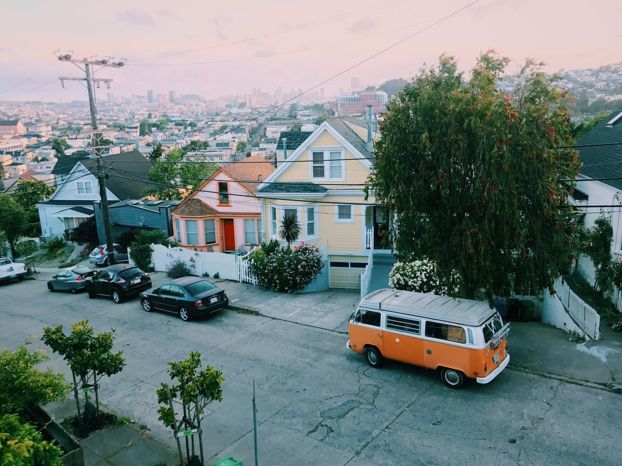 VW Bus = Instant happiness // Car Building Exterior Architecture Transportation Tree Built Structure Land Vehicle House Mode Of Transport Cable Day Sky Residential Building Outdoors No People City