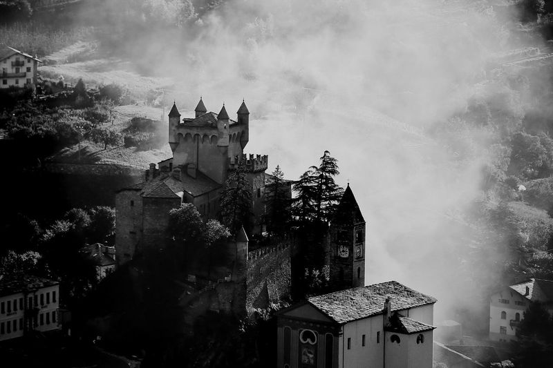 Castle Burning Smoke Fire Danger Landscape Panorama Traveling Exploring Light And Shadow Travel Photography Photooftheday Bestoftheday Moments Blackandwhite Black & White Black&white Blackandwhite Photography Italy Medieval Breathtaking View Battle Awesome Surreal