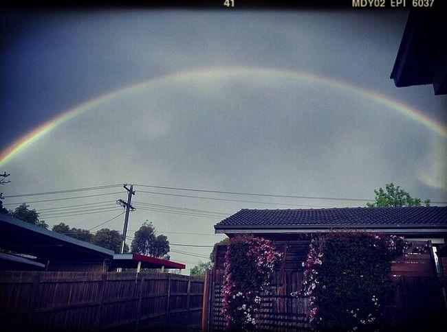 Heavy Rains create the perfect rainbow 🌈🌺🌈 #fullrainbow #rainbow #rainbowoveratmyhouse #gorgeous #flowers
