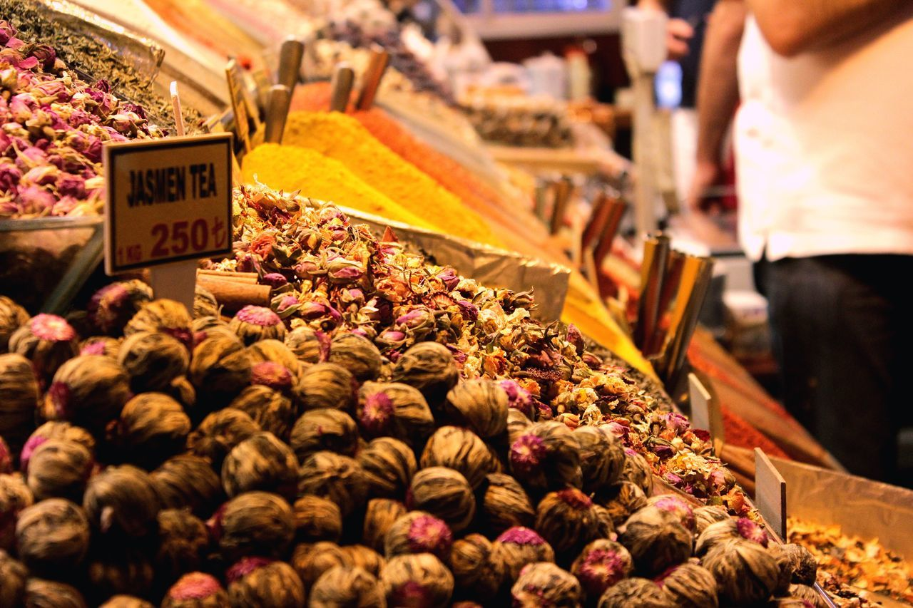choice, variation, market, for sale, market stall, freshness, food, retail, large group of objects, food and drink, abundance, price tag, outdoors, arrangement, real people, healthy eating, day, one person, close-up, people