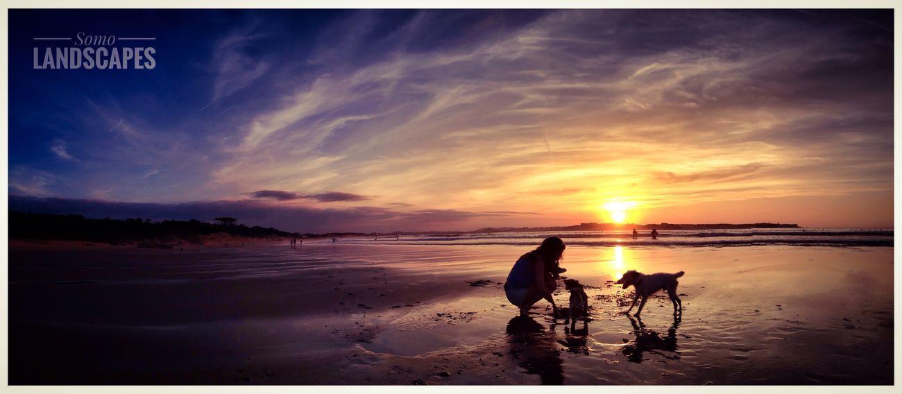 Enjoying The Sun Sunshine Sea Relaxing Landscape_Collection Landscape IPhoneography View Enjoying Life Hello World Movilgrafias Popular Photos SPAIN Good Atmosphere Cantabria Somo Cantabriainfinita Estaes_cantabria Santander #somo #surf #cantabria #sea