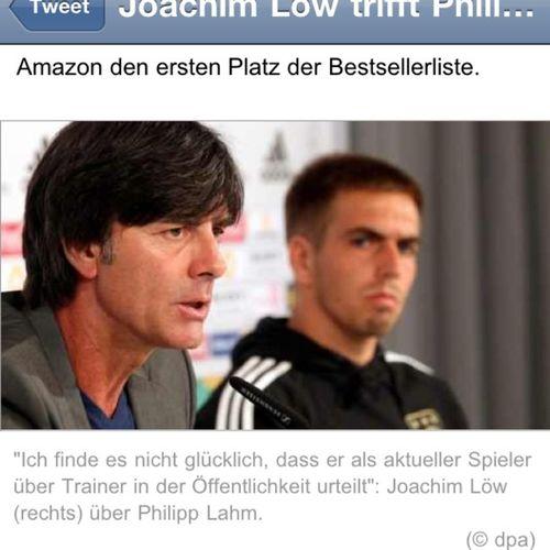 """Joachim Löw (rechts)"" rechts ist anders, oder? dpa #dpa sueddeutsche #Funny Dpa Funny"
