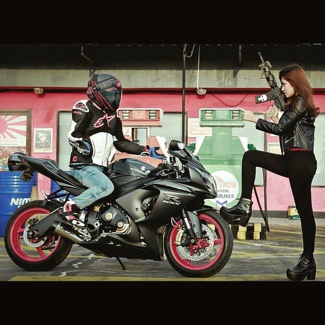 Go home now!! Suzuki Suzukigsxr Bikerschiks Bikeswithoutlimits Bigbike Bikers_network Bikers_around_the_globe Bikersofinstagram Bikerzunite Bike_nati0n M4 M4exhaust M4cqb Instamotogallery Instabikeriders Shoei Tokyoproject