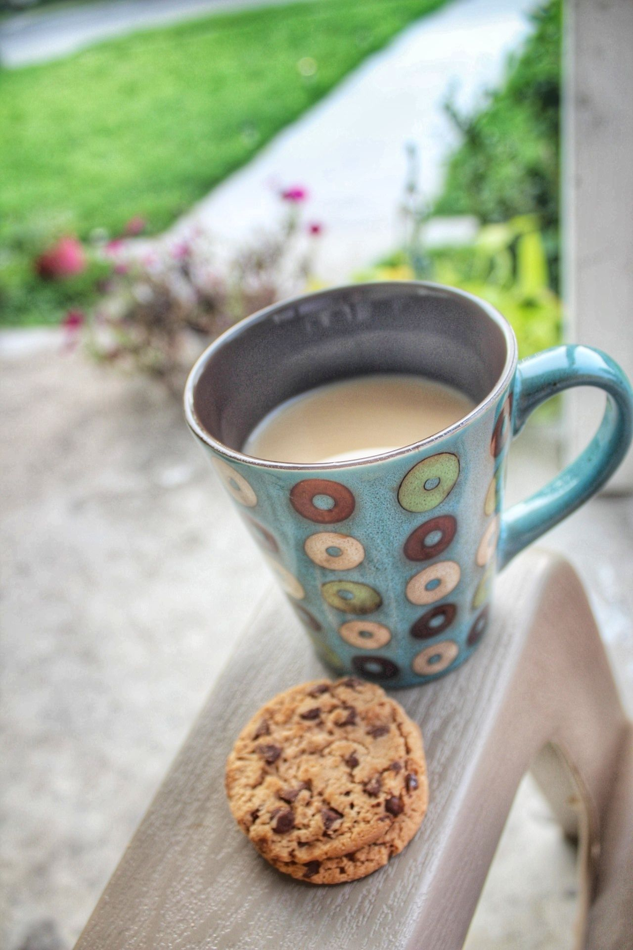 Cookie Sweet Food Coffee Break Day No People Outdoors Close-up Freshness Early Morning Early Morning Sky Fresh Morning Air