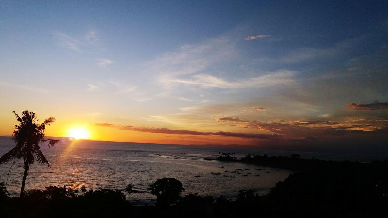 Sunset in lombok senggigih nusa tengara barat..beutiful.