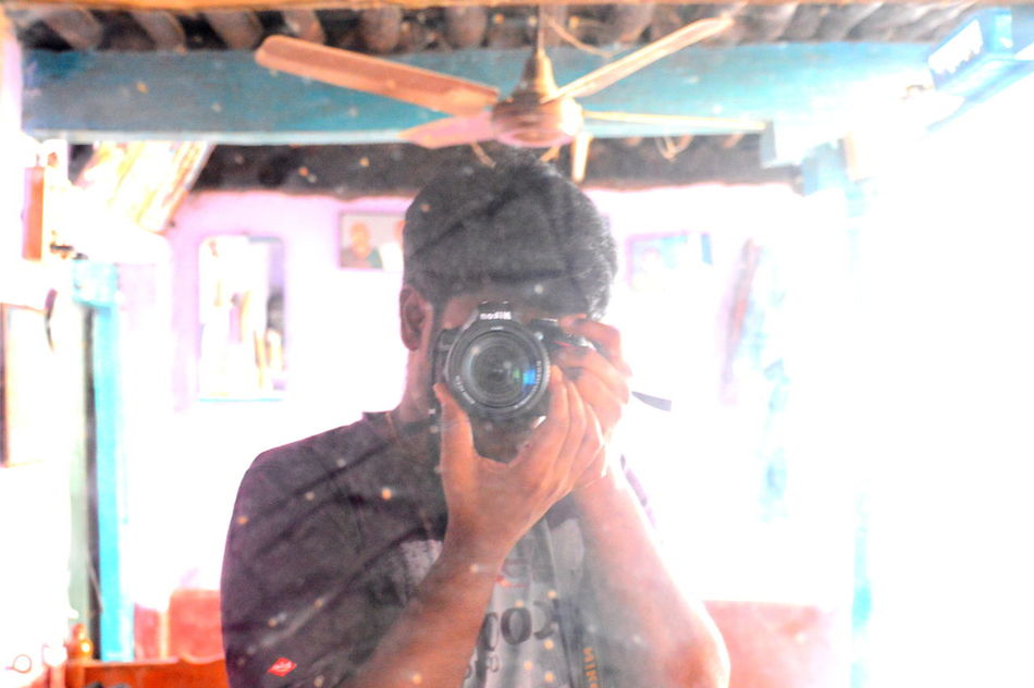 Camera Mirror MyPhotography Nikon D3200 Nikonphotography One Person One Young Man Only Selective Focus Self Portrait Selfphotography