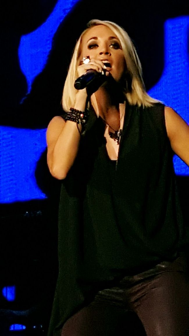Carrie Underwood Beauty Beautiful People Performance Singer  Music Singer  Musician Country Music Concert Photography Country Girl Singer  Concert Fun Enjoyment Talent Amazing WOW Famous People