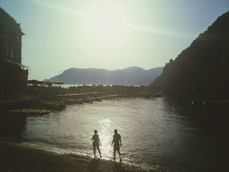 The spiaggia full of stories. The Traveler - 2015 EyeEm Awards Cinqueterre Italia Travelling Dreaming Livingthedream
