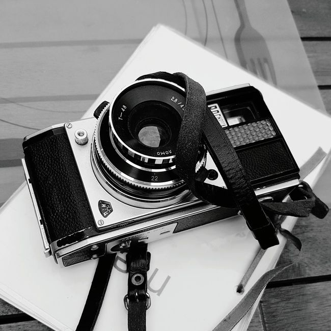 Technology High Angle View Indoors  Old-fashioned Hobbies Memories No People Galaxys7picture Nostalgia Black&white Blackandwhite Photography Black And White Collection Collection Cameraporn восход камера Analog Analoglove Galaxys7picture