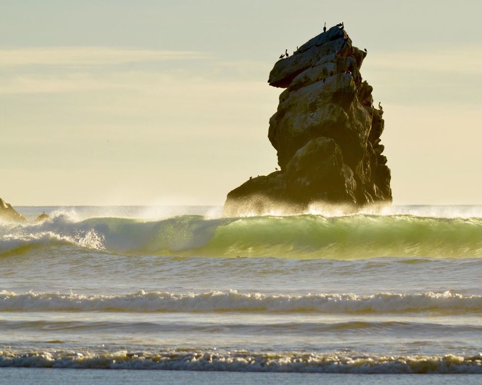 Sea Water Nature Wave Beach Beauty In Nature Rock - Object Sky Scenics Shore Tranquility Tranquil Scene Outdoors Horizon Over Water No People Day Power In Nature