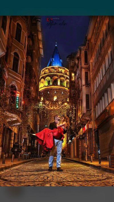 Turkey Türkiye Istanbul Turkey Istanbul Istanbuldayasam Galatakulesi Aşk♥ şehrinakşamları şehrinışıkları şehrinaşıkları her dakikası yaşanmalı bu şehrin gündüzün trafiği çok büyük işkencedir ya gel görki gecesine aşıl olduğum güzel şehrim