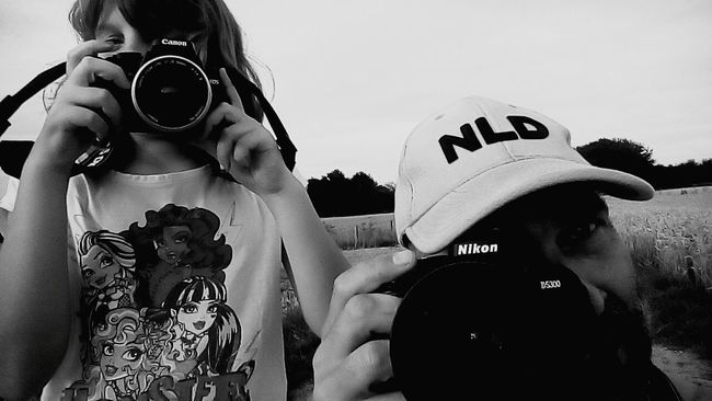 Just a happy day with my daughter. Taking Photos Hello World Hi! Enjoying Life Hanging Out Walking Around Photography Zelfportret B&w Photography