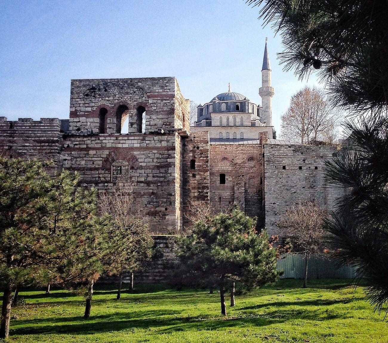 Gezgin İstanbul surlarında... Walls Of Constantinople