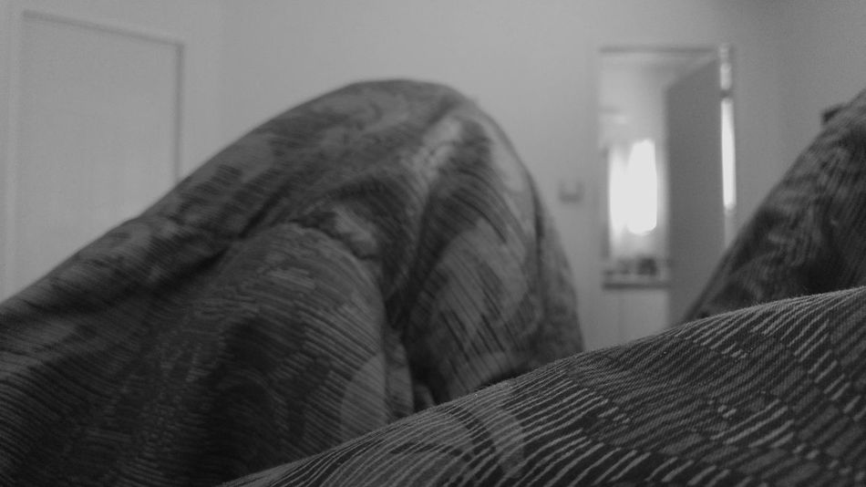 Bed Mountain Range Indoors  Close-up Day Monochrome Cover Blankey Blanket Makebelieve Duvet ımagination Creative Mountainous
