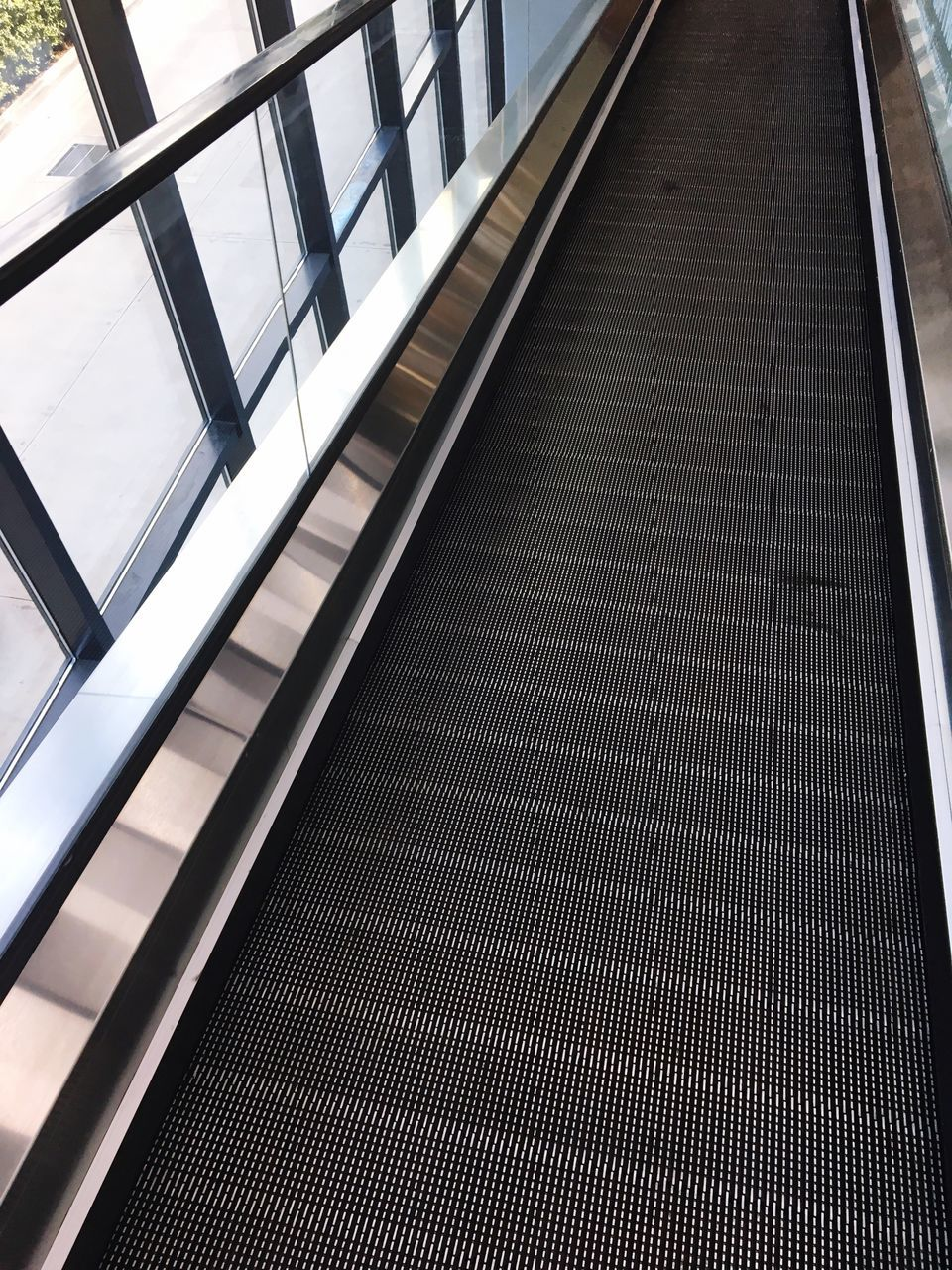 escalator, transportation, indoors, technology, railing, built structure, steps and staircases, convenience, modern, architecture, no people, futuristic, day, close-up