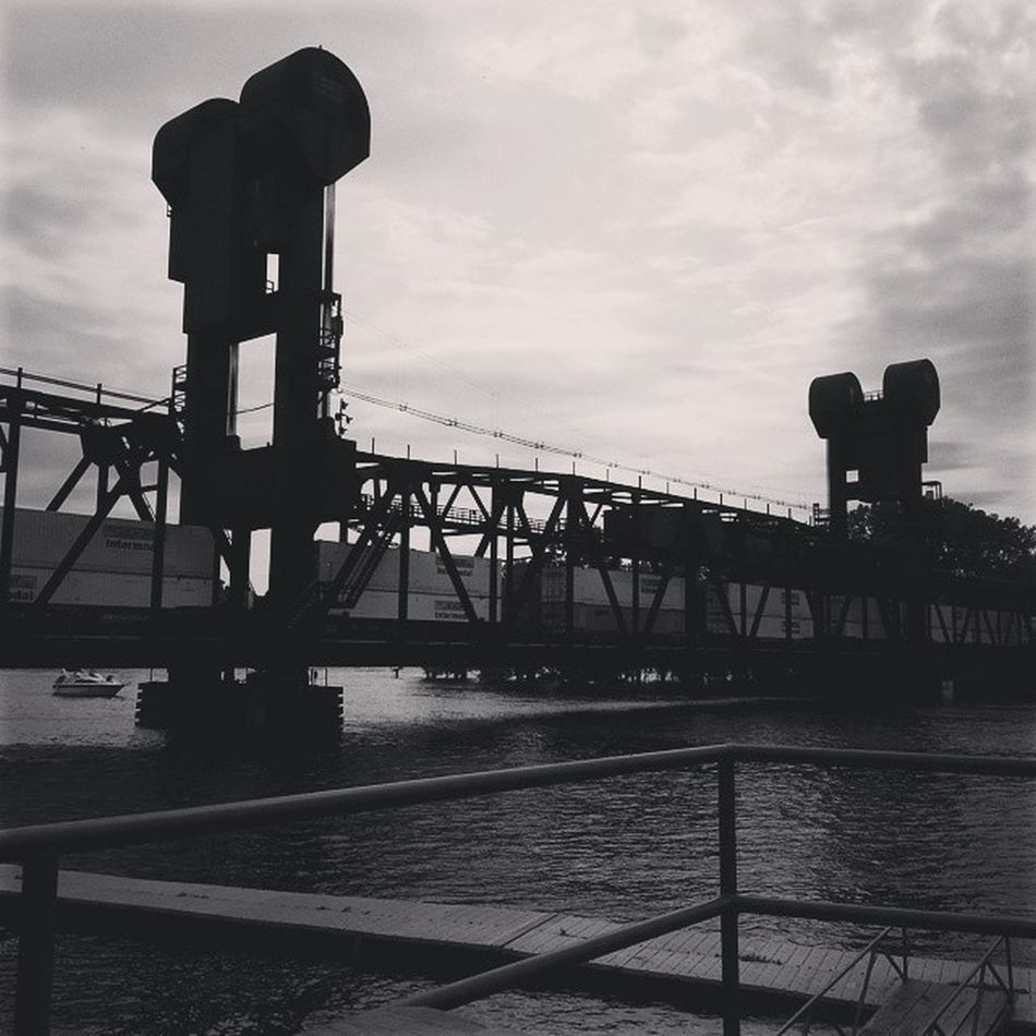 Lift bridge down the hill from my house. Mississippiriver Train Chillspot