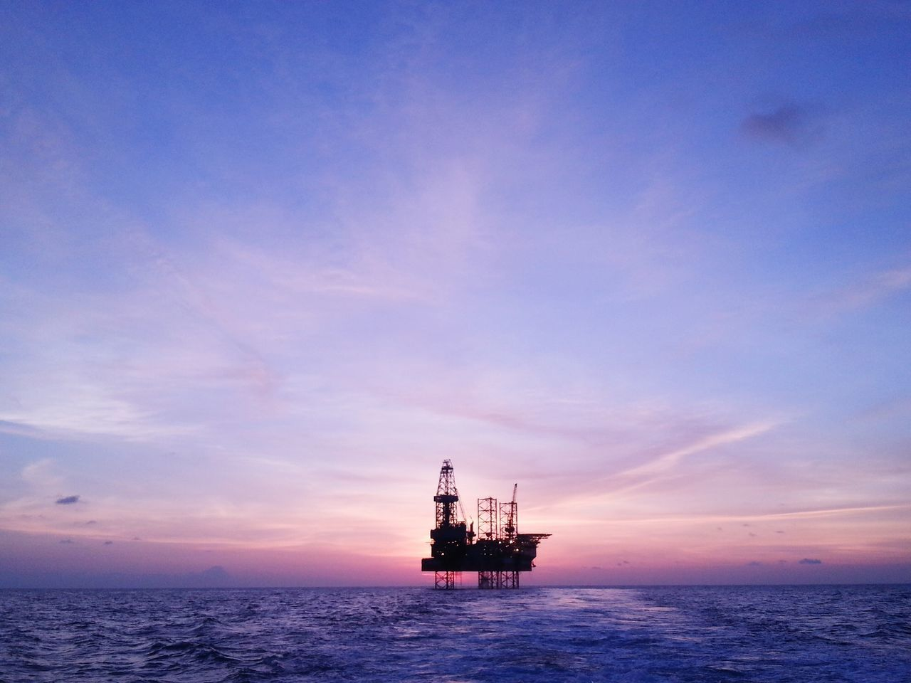 Oil Rig Maersk convincer Creative Light And Shadow Market Bestsellers April 2016 Malaysia Terengganu The Architect - 2017 EyeEm Awards