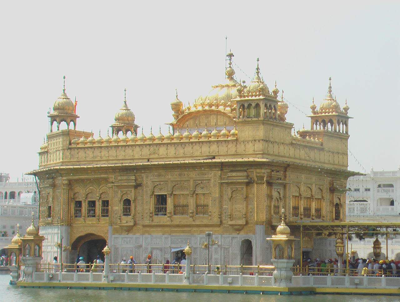 The vibe of this place is just amazing. Amristar Architecture Building Exterior Built Structure Gold Golden Temple India International Landmark Place Of Worship Punjab Spirituality Tourism